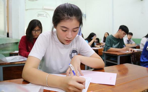 Thí sinh tự tin dễ lấy điểm 7 môn sử THPT quốc gia - Ảnh 7.