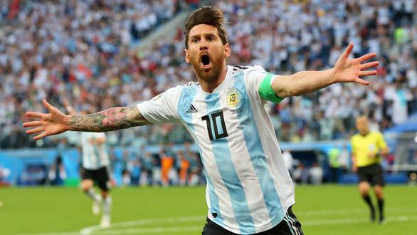 Fan sốc vì lần đầu thấy Messi nói chuyện với tư cách lãnh đạo đội bóng - Ảnh 1.
