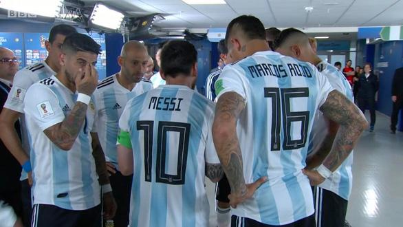 Fan sốc vì lần đầu thấy Messi nói chuyện với tư cách lãnh đạo đội bóng - Ảnh 5.