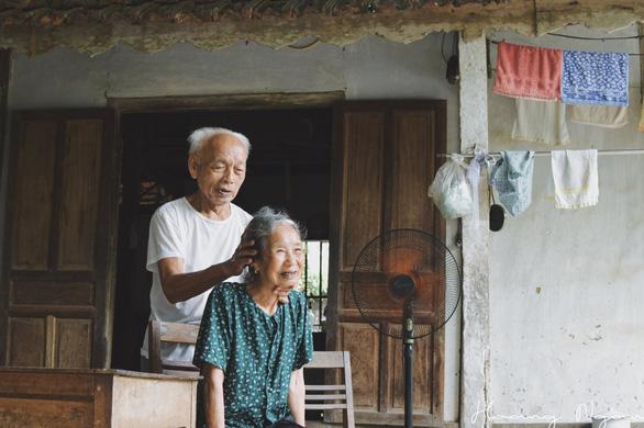 Ngày gia đình Việt Nam: ngỡ ngàng bộ ảnh Ông bà anh - Ảnh 3.