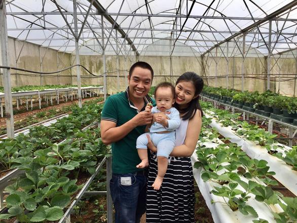 Ngày gia đình VN: những bố bỉm sữa nghỉ việc thay vợ chăm con - Ảnh 5.