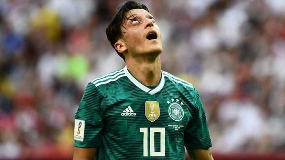 Fan sốc vì Đức thua: Ông trời ngó xuống mà xem, ra về từ vòng bảng! - Ảnh 4.