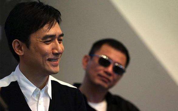 Lương Triều Vỹ chia tay Vương Gia Vệ sau 20 năm happy together - Ảnh 2.