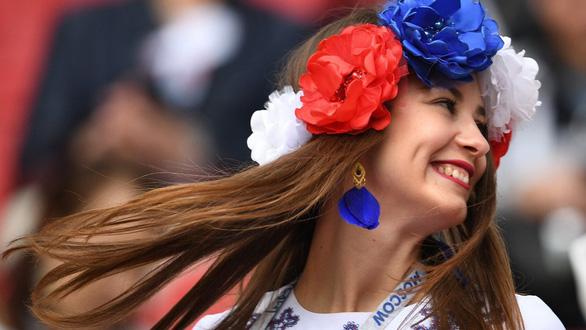 Báo Nga gọi phụ nữ Nga là gái điếm mùa World Cup - Ảnh 2.