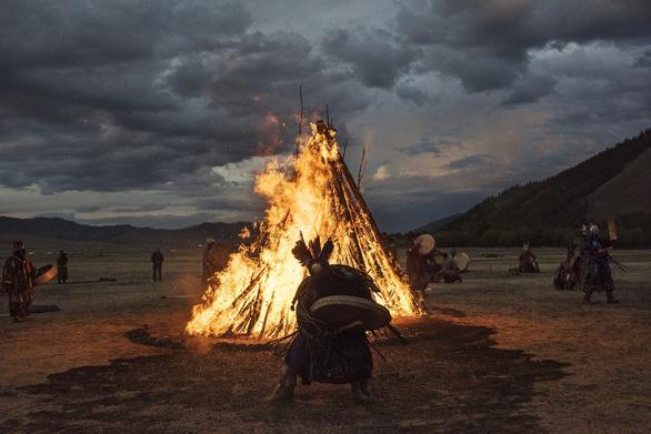 Đến Mông Cổ xem nghi thức pháp sư đón mùa hè - Ảnh 14.