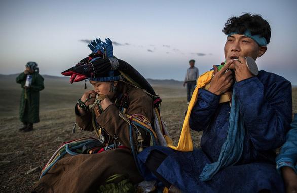 Đến Mông Cổ xem nghi thức pháp sư đón mùa hè - Ảnh 16.
