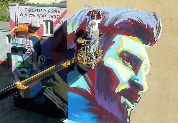 Messi bị vẽ hình troll ngay trước khách sạn - Ảnh 1.