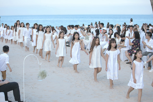 Con gái Xuân Lan dẫn đầu mẫu nhí tại Tuần lễ thời trang trẻ em Việt Nam - Ảnh 2.