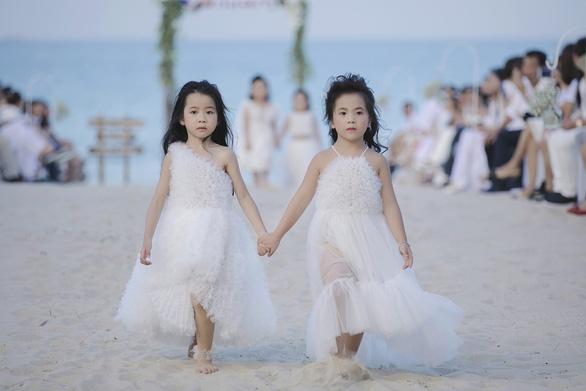 Con gái Xuân Lan dẫn đầu mẫu nhí tại Tuần lễ thời trang trẻ em Việt Nam - Ảnh 4.
