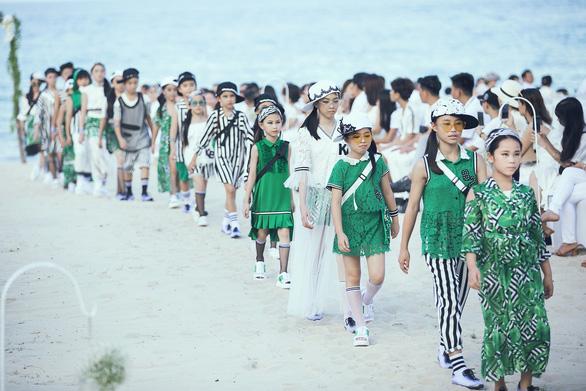 Con gái Xuân Lan dẫn đầu mẫu nhí tại Tuần lễ thời trang trẻ em Việt Nam - Ảnh 5.