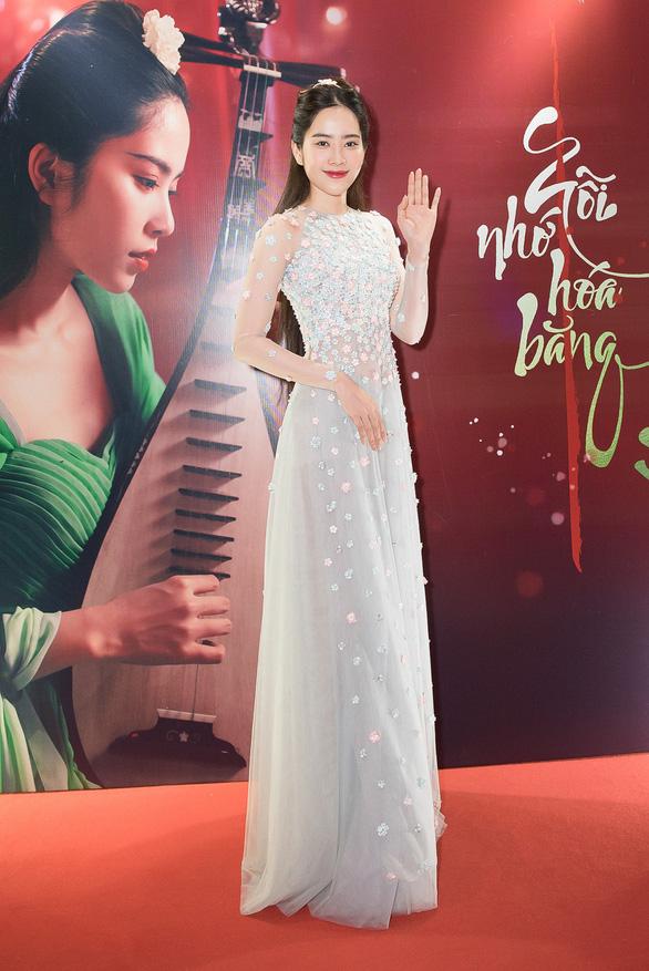 Huơng Tràm tự làm đạo diễn, Nam Em tự sáng tác nhạc - Ảnh 6.