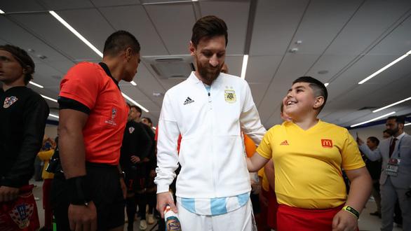 Cân áp lực gánh team của Messi và Ronaldo - Ảnh 3.