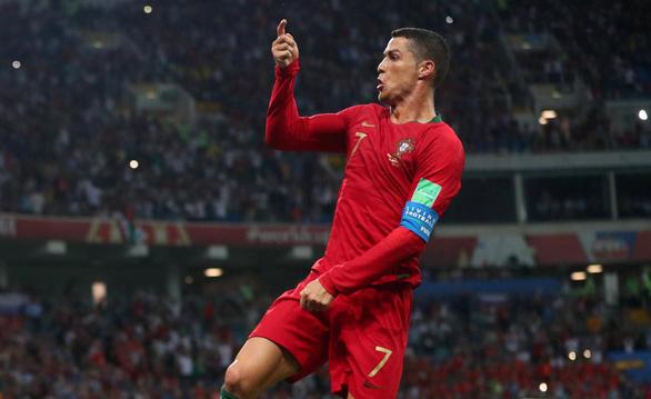 Cân áp lực gánh team của Messi và Ronaldo - Ảnh 8.