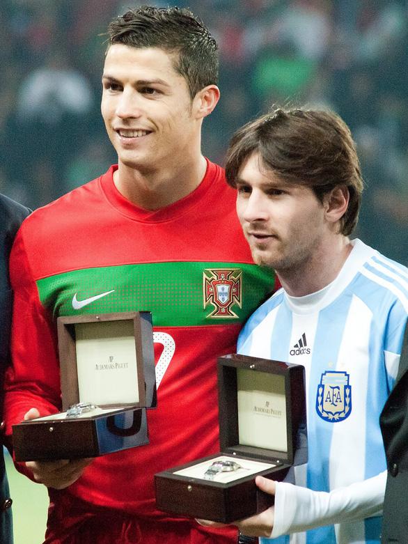 Cân áp lực gánh team của Messi và Ronaldo - Ảnh 10.