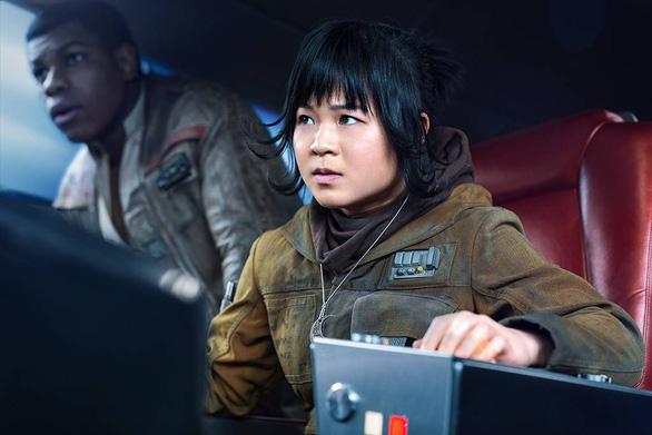 Nữ diễn viên gốc Việt xoá Instagram vì bị fan Star Wars quấy rối - Ảnh 3.