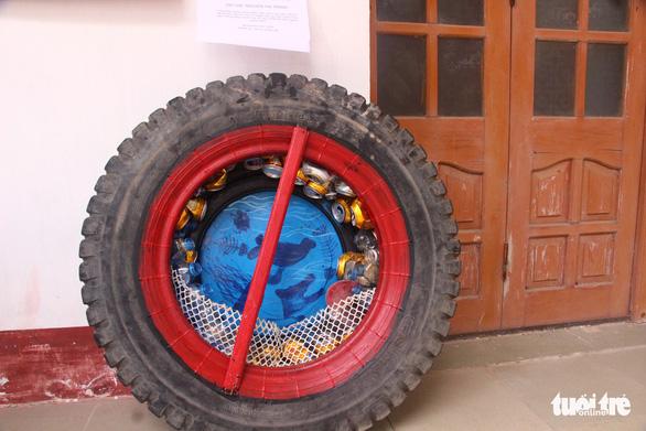 Sáng tạo nghệ thuật từ rác thải nhựa - Ảnh 4.