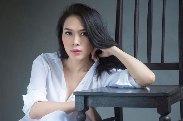 8-6: Ca khúc buồn nhất album Tâm 9, cô gái Việt mồ côi thi Miss Asia World - Ảnh 3.