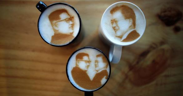 Cơn sốt 'cà phê Kim Jong Un' tại Hàn Quốc - Ảnh 1.