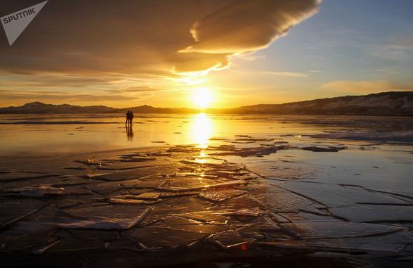 Vẻ đẹp tinh khiết của hồ Baikal và hồ Xanh - Ảnh 7.