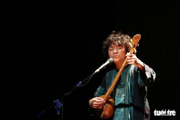 Đêm Nam nhi của Ngô Hồng Quang: nghe quan họ mix Beatbox - Ảnh 2.