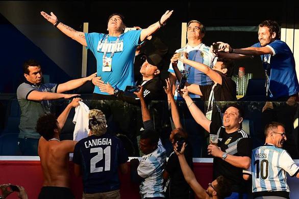 Maradona và cảm xúc của cậu bé vàng suốt hành trình World Cup - Ảnh 3.
