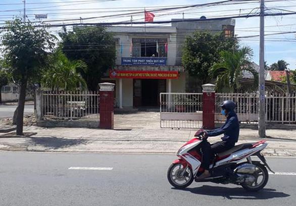 Thủ quỹ Trung tâm Phát triển quỹ đất thụt két hàng trăm triệu đồng - Ảnh 1.