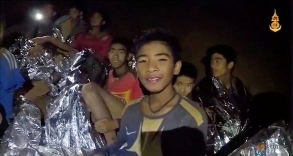 Bác sĩ cấm đội bóng Heo Rừng của Thái Lan tới Nga xem World Cup - Ảnh 1.