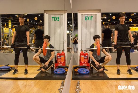 Xả stress, giới trẻ TP.HCM đi tập gym đêm - Ảnh 3.