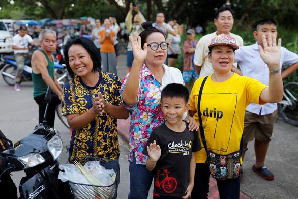 Chiến dịch giải cứu đội bóng Thái Lan thành công mỹ mãn, cứu được 13 người - Ảnh 1.