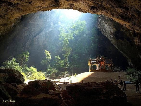 Tâm linh huyền bí trong các hang động ở miền bắc Thái Lan - Ảnh 3.