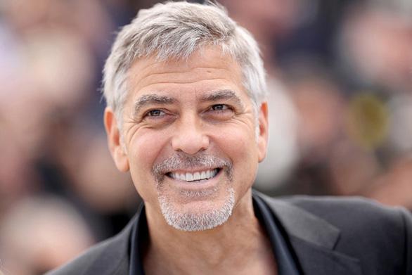 11-7: Phạm Anh Khoa tiều tụy, George Clooney tai nạn - Ảnh 8.
