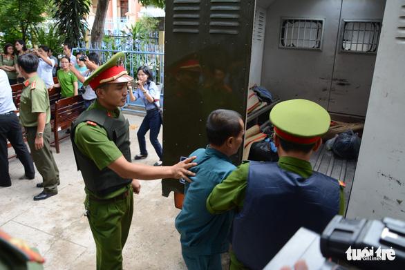 Gây rối ở Bình Thuận, 6 bị cáo bị phạt tù từ 24-30 tháng - Ảnh 2.