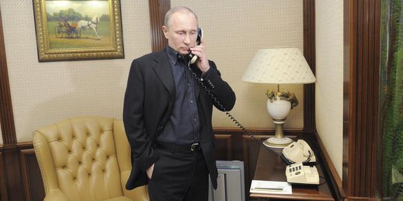 Ông Putin điện Tổng thống Pháp chúc mừng, an ủi vua Bỉ - Ảnh 1.