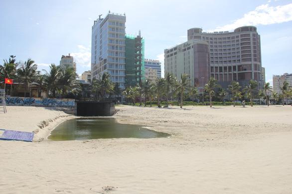 Đà Nẵng sẽ tách nước thải, nước mưa khu bãi tắm Mỹ Khê - Ảnh 1.