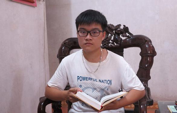 Gặp chàng trai điểm 10 Toán ở thành phố Việt Trì - Ảnh 1.