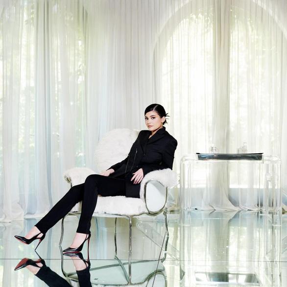 Kylie Jenner sắp trở thành nữ tỉ phú tự thân trẻ nhất thế giới - Ảnh 2.