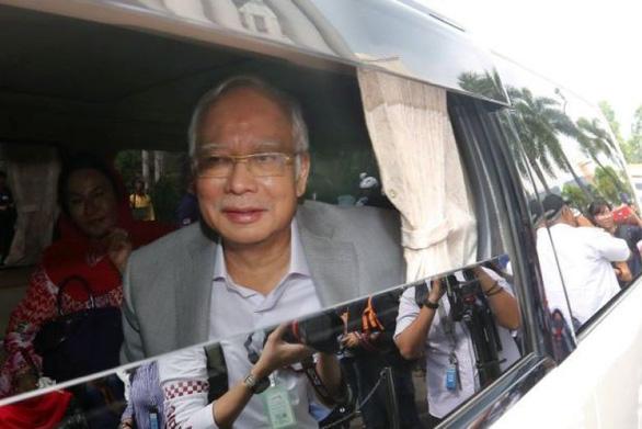 Cựu thủ tướng Malayisa Najib bị khóa tài khoản ngân hàng - Ảnh 1.