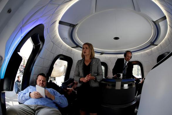 Vé bay vào không gian không dưới 5 tỉ đồng - Ảnh 2.