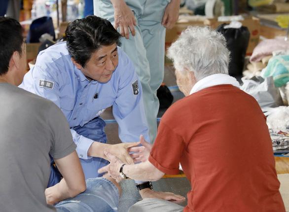 Thủ tướng Nhật tăng cứu trợ thiên tai gần 20 lần so với lần đầu - Ảnh 2.