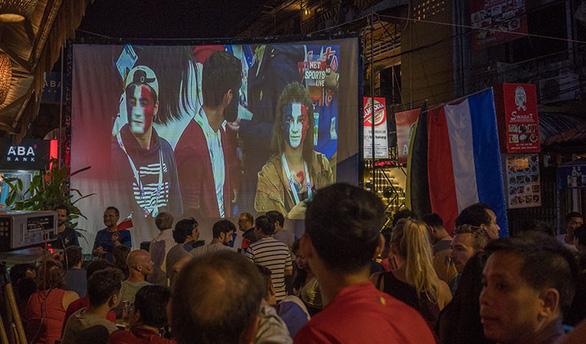 Cơn sốt World Cup tại Campuchia trước trận chung kết - Ảnh 2.