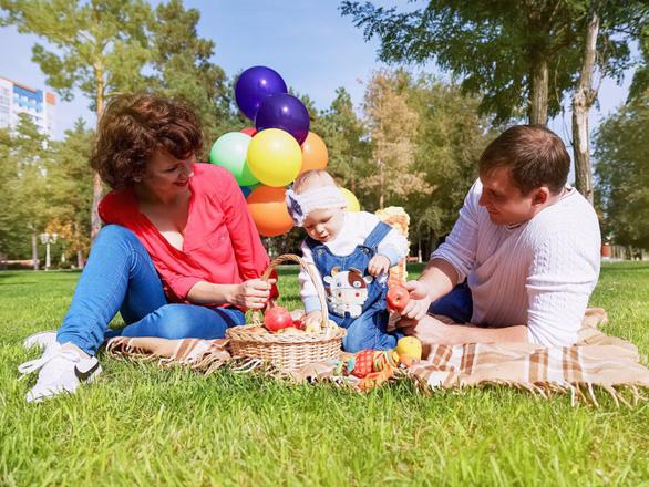 Thế hệ trẻ Mỹ ngại sinh con vì quá tốn kém - Ảnh 1.