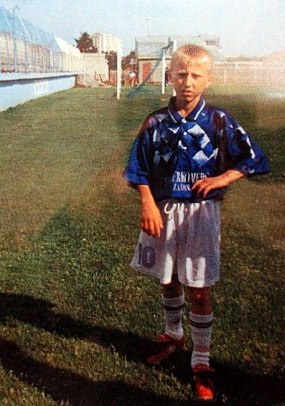 Ngắm ảnh thơ ấu dễ thương hết nấc của các ngôi sao World Cup - Ảnh 5.