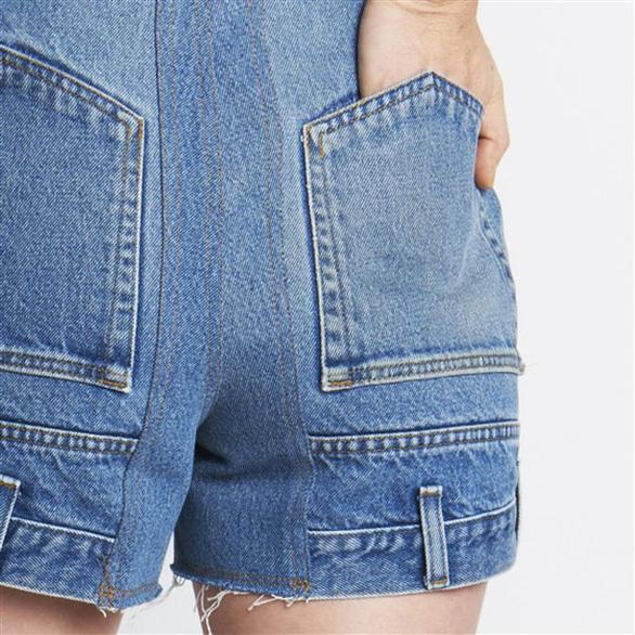 Bối rối với mốt quần jeans lộn ngược - Ảnh 2.