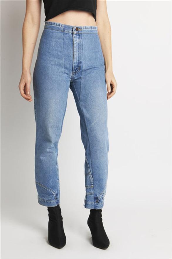 Bối rối với mốt quần jeans lộn ngược - Ảnh 3.