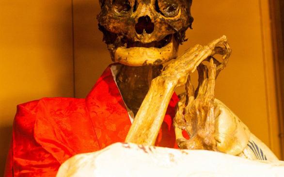 Bí mật của các thiền sư Nhật Bản: Tự ướp xác chính họ - Ảnh 4.