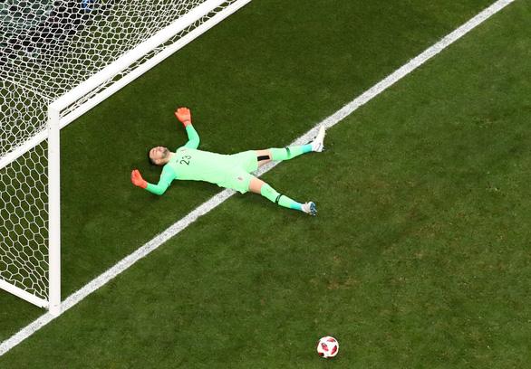 Mưa bàn thắng chung kết World Cup do thủ môn lười biếng của Croatia - Ảnh 6.