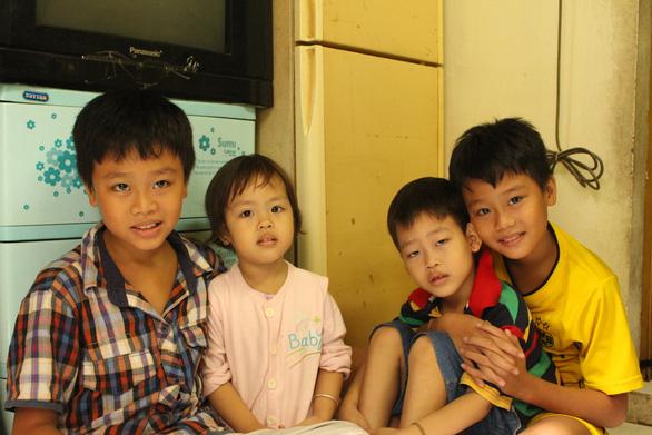Những bà mẹ gồng gánh nuôi con - Ảnh 4.