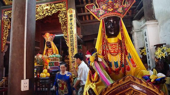 Bảo vật lưu lạc của nhà chùa: Nỗi niềm Bà Đậu - Ảnh 1.