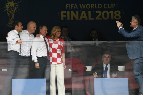 Một mùa World Cup quá đỉnh của bà trùm sân cỏ - nữ Tổng thống Croatia - Ảnh 5.