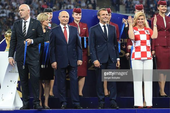 Một mùa World Cup quá đỉnh của bà trùm sân cỏ - nữ Tổng thống Croatia - Ảnh 6.